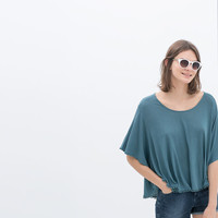 BATWING SLEEVED T-SHIRT
