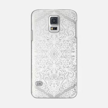 LACY WHITE PATTERN ON CRYSTAL TRANSPARENT Galaxy S5 case by Micklyn Le Feuvre | Casetify
