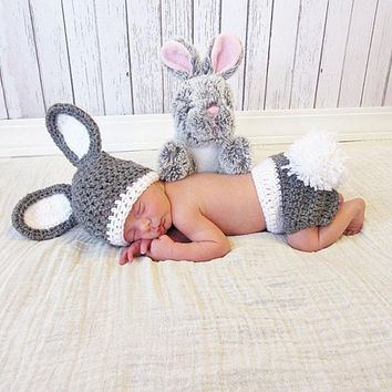 2pcs/Set Handmade Infant Outfits Newborn Photography Props Winter Baby Rabbit Shaped Crochet Knit Hat+Shorts Warm Girls Clothes