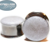 0g-9/16in Pearly Silver Plugs