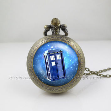 Doctor who tardis Pocket Watch,tardis Dr who Police Box in Space,Doctor who necklace,Glass Locket Pocket Watch necklace