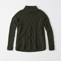 BOXY CABLE TURTLENECK SWEATER