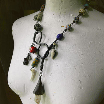 Rustic assemblage | Raw quartz | Assemblage necklace | Lariat necklace | Tribal necklace | Raw stone | Statement necklace | Gypsy assemblage