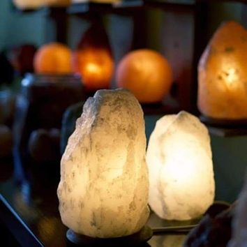 HIMALAYAN SALT LIGHT LARGE - WHITE