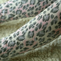 Pastel pink and purple leopard print leggings by DGstyle on Etsy
