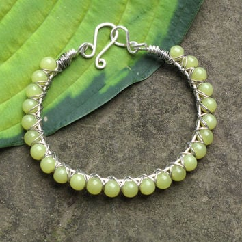 Lime beaded bracelet -  Chartreuse stone and silver plated copper wire bangle