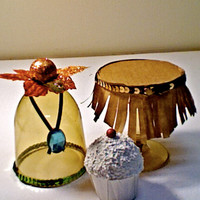 Paint with all the colors of the wind...(set of 4) Pocahontas theme mini cupcake stands
