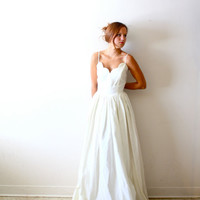 Vintage Wedding dress scalloped sweetheart neckline or costume dress