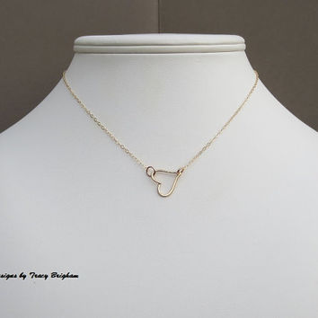 14K Gold Filled Wire Heart Pendant Necklace Bridesmaid Best Friend Sister Mother Girlfriend Wife Maid of Honor Gift Idea