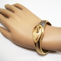 Avon Belt Buckled Bracelet Bangle Gold Tone Vintage Pebbled Textured Slide Spring Hinged Clamper