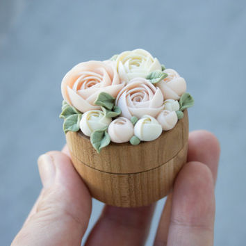 Pink Ivory Ranunculus Flower Ring Box Wooden Round Decorated Engagement Ring Holder Ring Case Wedding Bridal Birthday Gift Decor