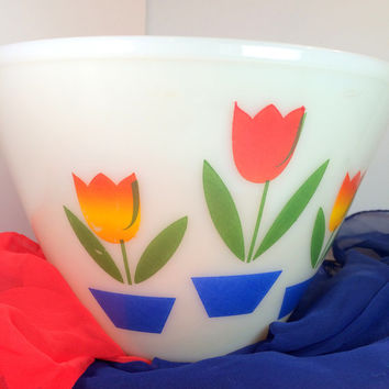 "Vintage Fire King Tulips Mixing Bowl, Splash Proof, 9 1/2"", 4 Quart, Anchor Hocking, Nesting Bowl, Milk Glass, Mid Century, Flowers"