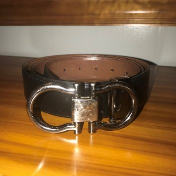 Mens Salvatore Ferragamo Gancini Reversible belt size 42 pre owned