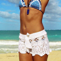 Crochet shorts in white