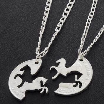 2PC Running Horses Puzzle Coin Charm Animal Best Friend Couple Love Lovers Gifts Friendship Pendant Necklaces Women Men