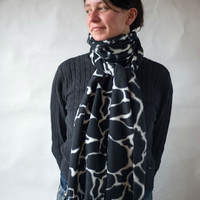 Black White Scarf, Oversized, Fleece Scarf, Womens Scarf, Animal Print, Girafe Print, Extra Long, Extra Wide, Winter Scarf, Soft Scarf, Gift