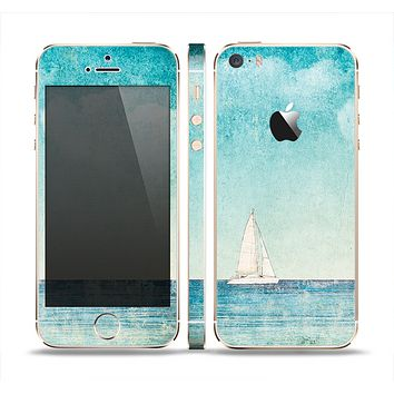 The Faded WaterColor Sail Boat Skin Set for the Apple iPhone 5s