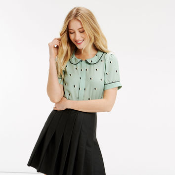 HEART PRINT COLLAR TOP