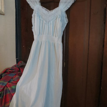 1950  Miss Elaine light blue embroidery  nylon and lace nightgown sz 34