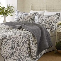 Twin Size 2-Piece Quilt Set with Coverlet & Sham in Gray White Floral Pattern