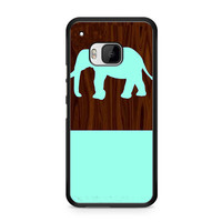 Mint Elephant On Dark Wooden Pattern HTC One | M9 case