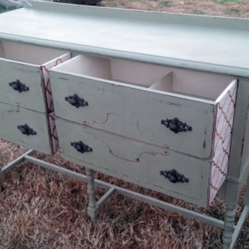 Refinshed Annie Sloan Chalk Paint Distressed Sideboard/Buffet/Entertainment Stand/Table Painted Furniture