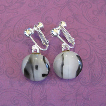 Black and White Clip Earrings, Dangle Clip On Earings, White Black Earclip Jewelry - Webster - 2153 -1