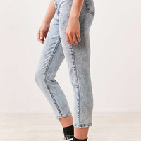 BDG Girlfriend High-Rise Jean - Acid Wash - Urban Outfitters