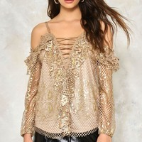 STAY GOLDEN COLD SHOULDER TOP