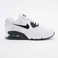 Nike Air Max 90 Trainers in White and Black - Urban Outfitters