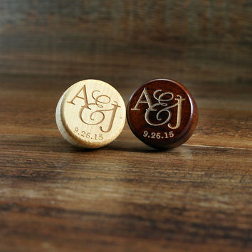 Personalized Wine Stopper Engraved Wood Top, Wedding Favor or Wedding Gift, Wine Cork, Couples Initials and Wedding Date