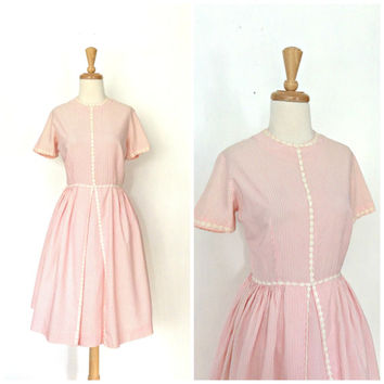 Vintage 50s Dress - swing dress - 50s day dress - pink cotton - fit and flare - Bobbie Brook - striped - Medium