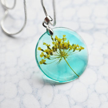 Petite Pressed Flower Necklace 01 Yellow Turquoise Queen Anne's Lace Small Resin Jewelry Dandelion Transparent Pendant 925 Silver Plated