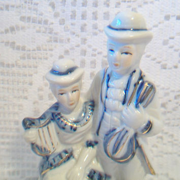 Vintage Victorian Courting Couple Figurine Blue White Porcelain
