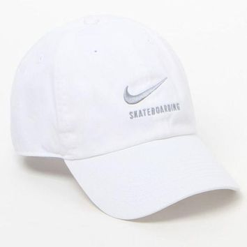 CREYONDI5 LA Hearts No Thank You Dad Hat