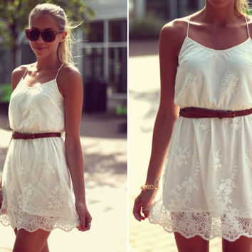 Simple Retro White Embroidered Lace Mini Dress