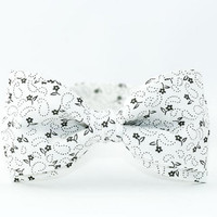 Bow Tie by BartekDesign White Gray Flowers Wedding