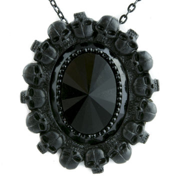 Human Skull Circle w/ Black Faceted Stone Necklace Gothic Victorian Jewelry Pendant