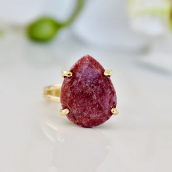 Holiday Sale - Rhodonite cocktail ring,gold ring,teardrop ring,dark pink ring,rhodonite ring,double band vintage ring