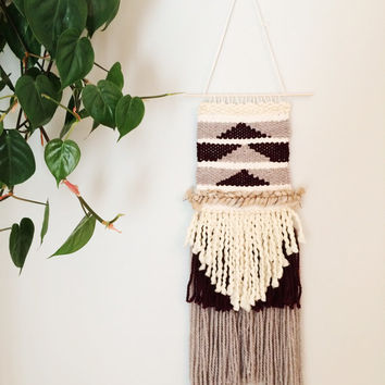 Medium wall hanging // hand woven wall hanging // tapestry // weaving // fringe // weave // geometric / fiber art // loom // textile art //