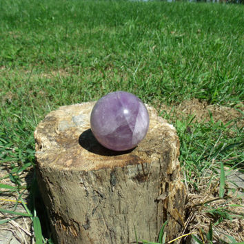 50mm Purple Amethyst Quartz Sphere Crystal Metaphysical Healing Energy Massage Reiki Birthstone Ball Orb Kynd Valley AMS201