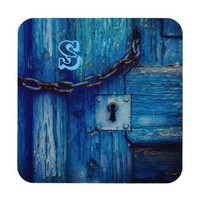 Rustic old door keyhole and chain coaster