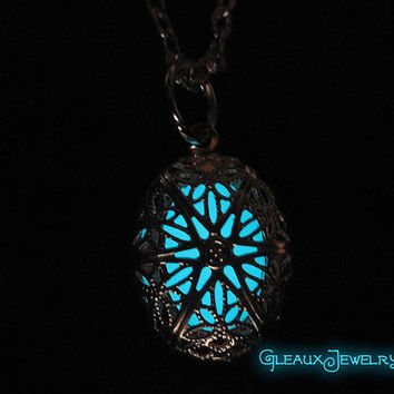 Small Oval Mystic Glow Locket Silver Plated