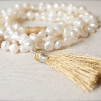 Mala necklace White pearl & wood 108 bead Tibetan Buddhist tassel Yoga Meditation Mantra Chakra Prayer Buddha Nepal Silk road Beige