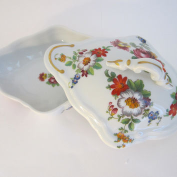 Romance Limoges France Porcelain Box Decorated Flowers