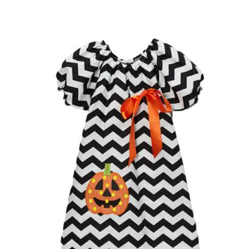 Black Jack o Lantern Chevron Cap Sleeve Shift Dress