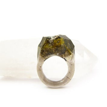 Terrarium + Silver Leaf Resin Ring • Size 9 • Geometric Terrarium Ring • Science Specimen Ring • Nature Moss Eco Resin Ring