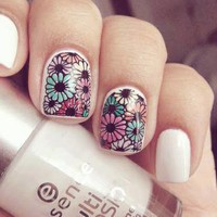 Cute floral nails | via Facebook