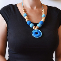 Blue Nursing Necklace With Teething Ring – New Mommy and Her Baby will Love It