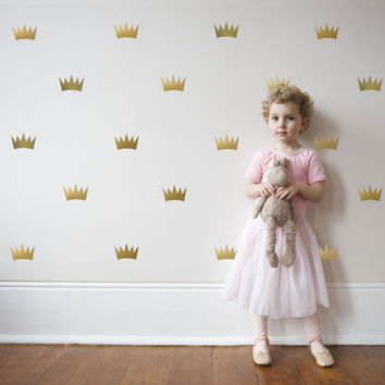 32 Gold Metallic Princess Crown Vinyl Wall Decals